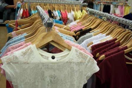 Se abonará el quebranto de moneda en empresas del sector de comercio textil