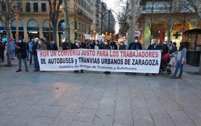 Manifestación conjunta de la plantilla de  autobuses urbanos y tranvía de Zaragoza